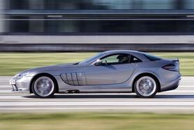 Mercedes SLR McLaren sets London Land Speed record