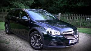 Vauxhall Insignia Country Tourer Video Review